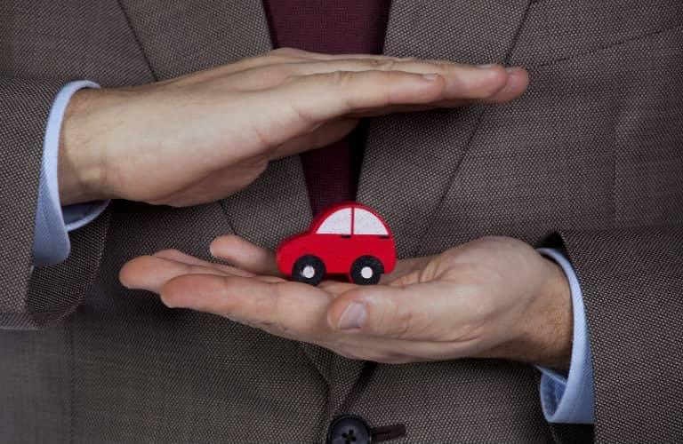 toy_car_in_hands_b