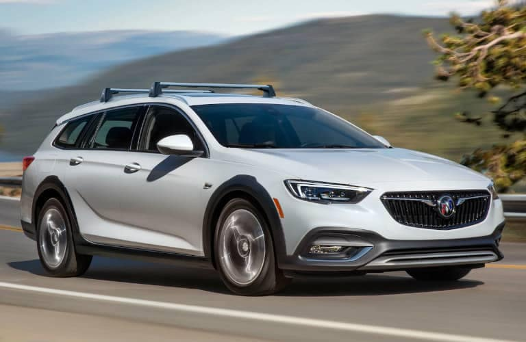 2019_Buick_Regal_TourX_exterior_front_side_o