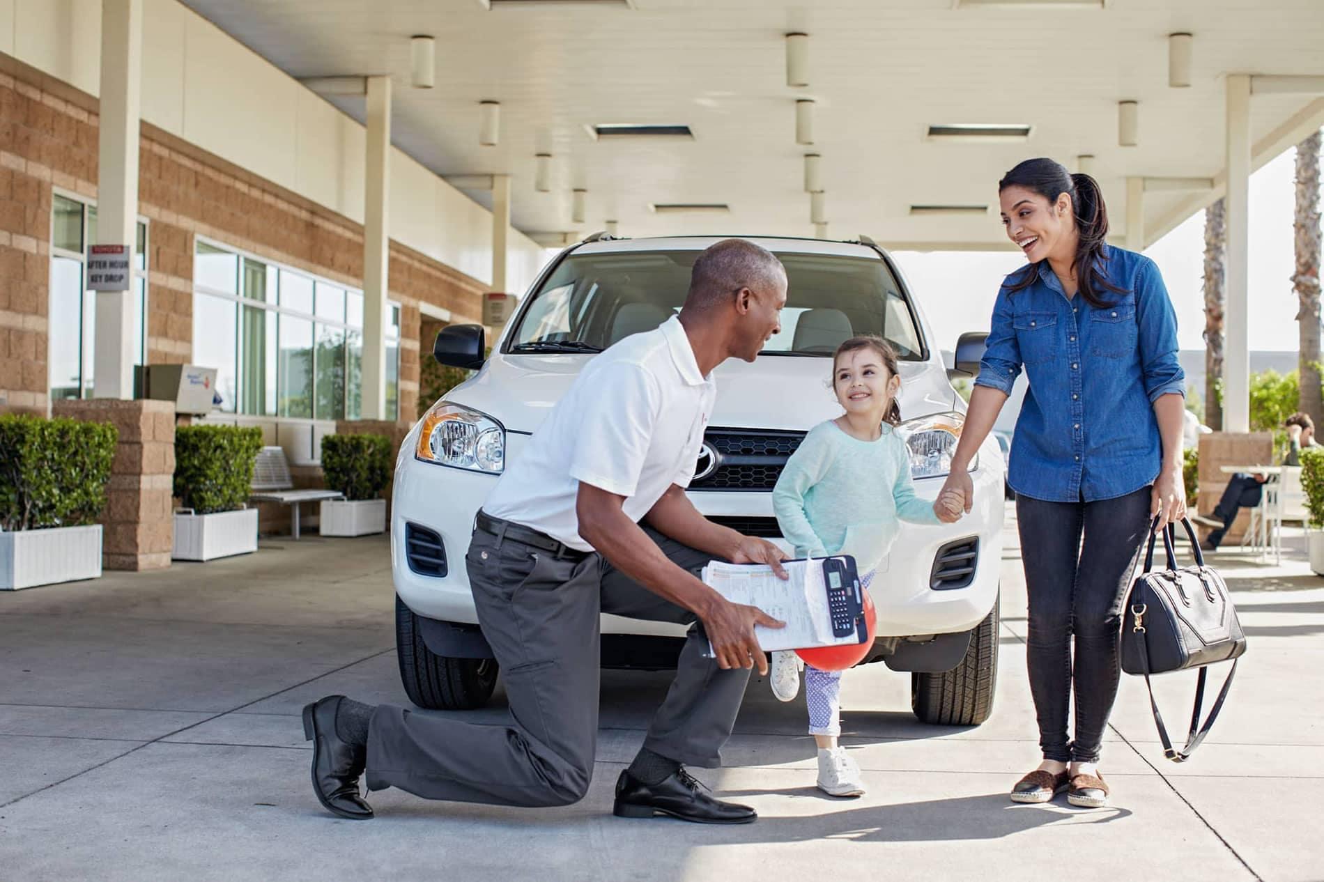 Toyota_Generic_service-family