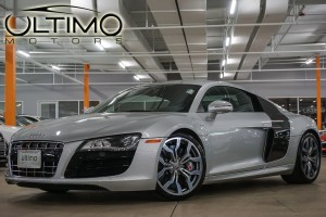 Pre-Owned 2011 Audi R8 5.2L with Navigation