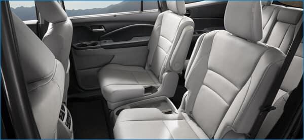 CR-V vs. 2021 Honda Pilot Interior Image