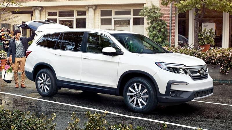 Honda SUVs Versus the Competition Pilot Image