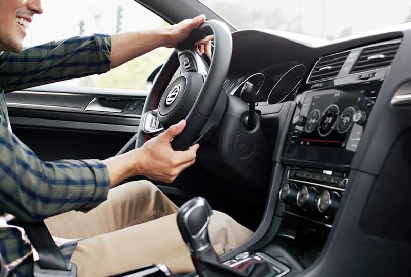 2020-vw-Golf-GTI-technology