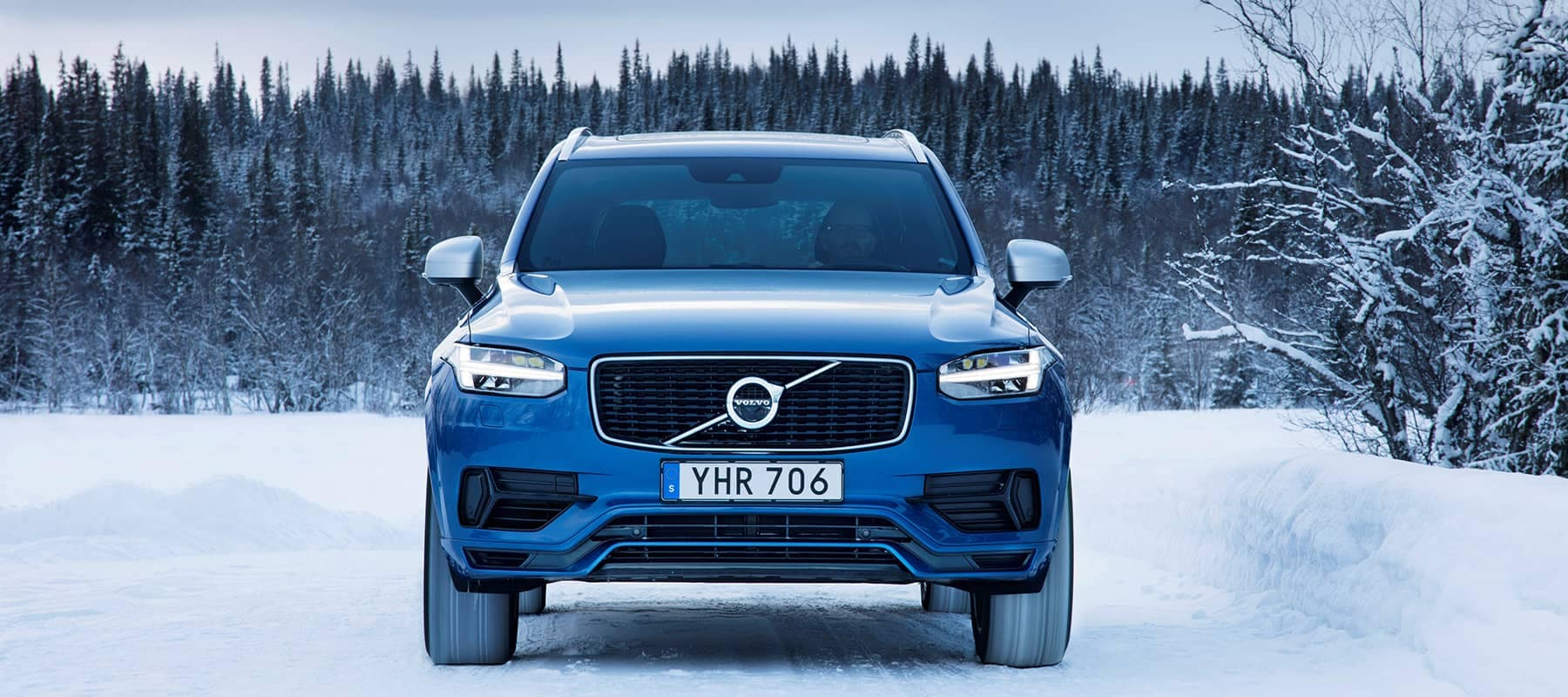 Volvo_XC90 in snow