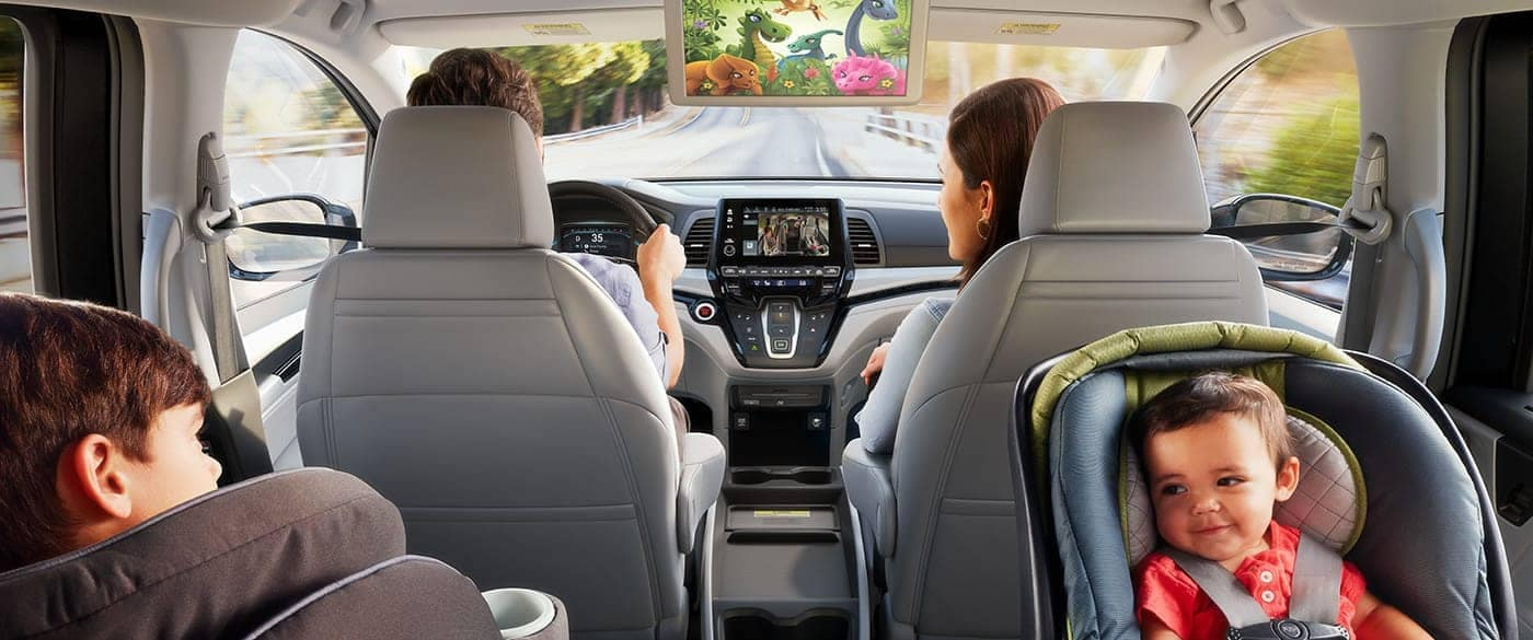 2018-Honda-Odyssey-Rear-Entertainment-System